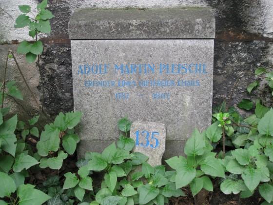 Adolf Martin Pleischl_Erfinder eines giftfreien Emails - (c) MA7